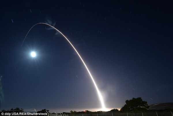 Запуск американской межконтинентальной баллистической ракеты Minuteman III|Фото: www.dailymail.co.uk